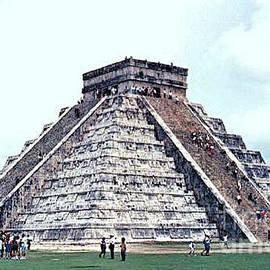 Casavecchia Photo Art - Chichen Itza Pyramid