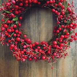Alison Burford - Christmas berry wreath