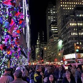 Doug Swanson - Christmas on Fifth Avenue