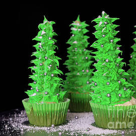 Tracy Hall - Christmas Tree Cupcakes