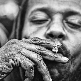 Juan  HRodriguez - Cigarette