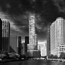Mike Savad - City - Chicago IL - Trump Tower BW