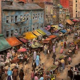Mike Savad - City - NY - Jewish market on the East Side 1890