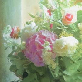 Hal Halli - Classic Bouquet in a Window