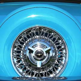 Angela Davies - Classic Ford Thunderbird