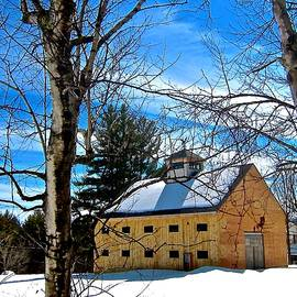 Elizabeth Tillar - Classic New Hampshire Barn