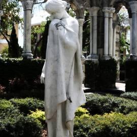 Heidi Hermes - Cloisters Statue
