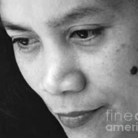 Jim Fitzpatrick - Closeup of a Filipina Beauty with a Mole on Her Cheek