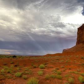 Felix Lai - Cloudy Sunset At Monument Valley
