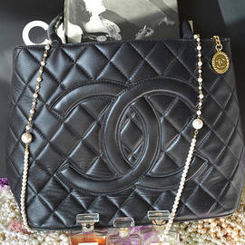 To-Tam Gerwe - Coco Chanel Legacy