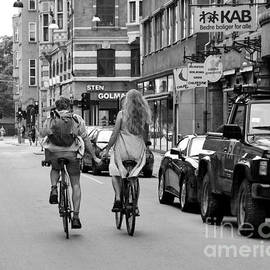 Catherine Sherman - Copenhagen Lovers on Bicycles BW