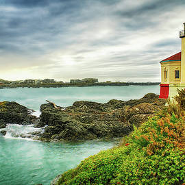 Priscilla Burgers - Coquille River Lighthouse