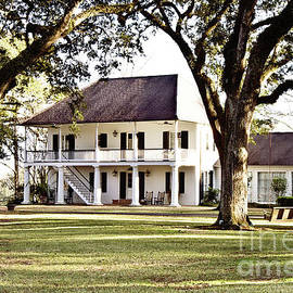 Scott Pellegrin - Country Manor