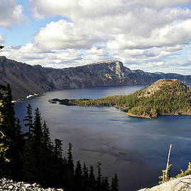 Christine Till - Crater Lake - Intense blue waters and spectacular views