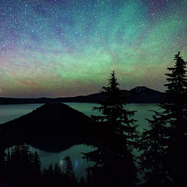 Cat Connor - Crater Lake Airglow