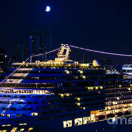 Srinivasan Venkatarajan - Cruise Ship-Skyline-Lunar Eclipse