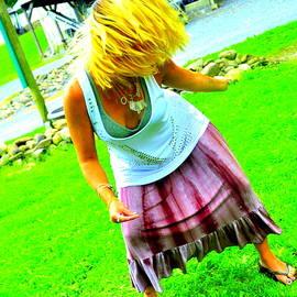 Sue Rosen - Dancer