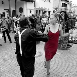 Daniel Gomez - Dancing in the Street  2