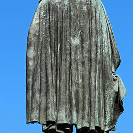 Cora Wandel - The Back Of Daniel Webster