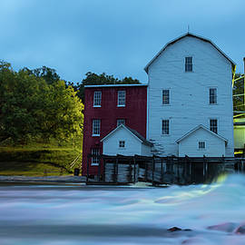 Penny Meyers - Dawn at Phelps Mill