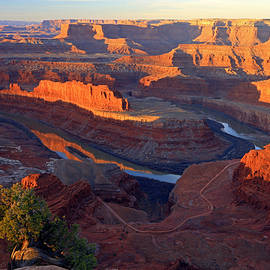 Johnny Adolphson - Daybreak at Dead Horse Point.