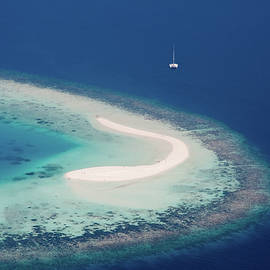 Jenny Rainbow - Deserted Coral Island and Yacht