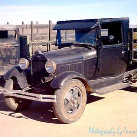 Tamara Kulish - Detail of Very Cool Old Black Truck 1