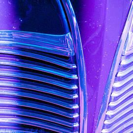 Tamara Kulish - Detail of Very Cool Old Deep Violet Car 4