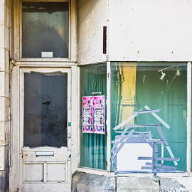 Disused shop - Tom Gowanlock