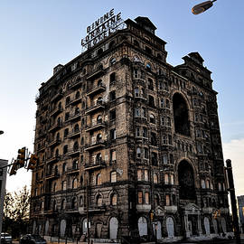 Bill Cannon - Divine Lorraine Hotel