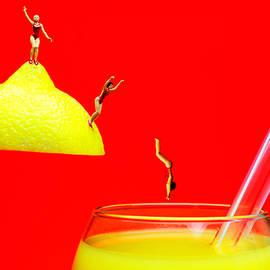 Paul Ge - Diving into orange juice