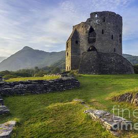 Ian Mitchell - Dolbadarn Castle
