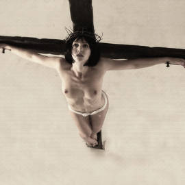 Ramon Martinez - Donna crocifissa I