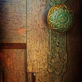 Debra Fedchin - Doorknob