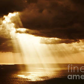 Dramatic sunset on the sea, beautiful peaceful scene, bright sun light, rays of light shine in water - Anna Omelchenko
