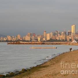 Manuel Matas - Dreamy Vancouver Skyline
