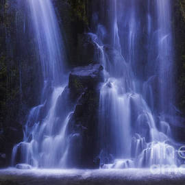 Ian Mitchell - Dreamy Waterfall