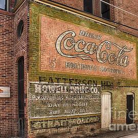Priscilla Burgers - Drink Coca Cola