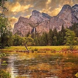 Lynn Bauer - Dusky Dreams of Yosemite