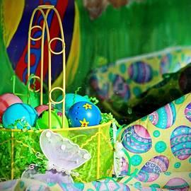 Cynthia Guinn - Easter Display