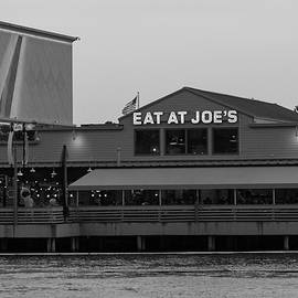 Suzanne Gaff - Eat at Joes in Black and White