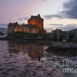 Philippe Boite - Eilean Donan castle by night