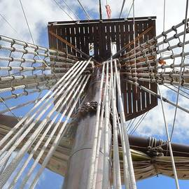 Linda Covino - El Galeon mast
