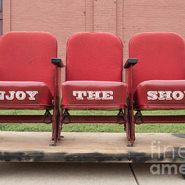 Enjoy the Show Sign - Edward Fielding