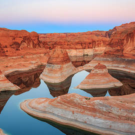 Johnny Adolphson - Evening light in Reflection Canyon.