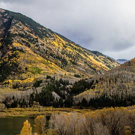 Alana Thrower - Fall Day at Beaver Lake