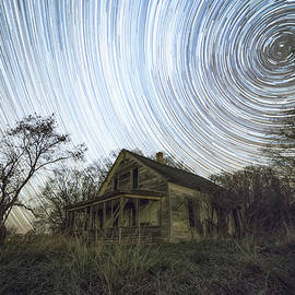 Aaron J Groen - Far Out