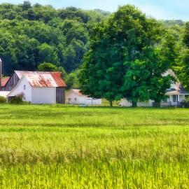 Joan Bertucci - Farm USA