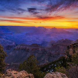 Andrew Soundarajan - First Light in the Canyon