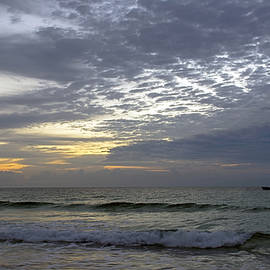 Steve Lipson - Fishing South Beach 2821